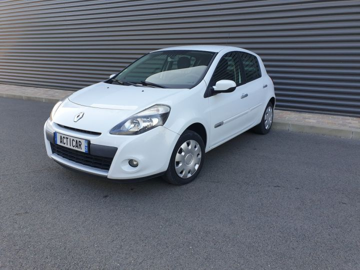 Renault Clio 3 1.5 dci 75 expression clim 5 pts Blanc Occasion - 1