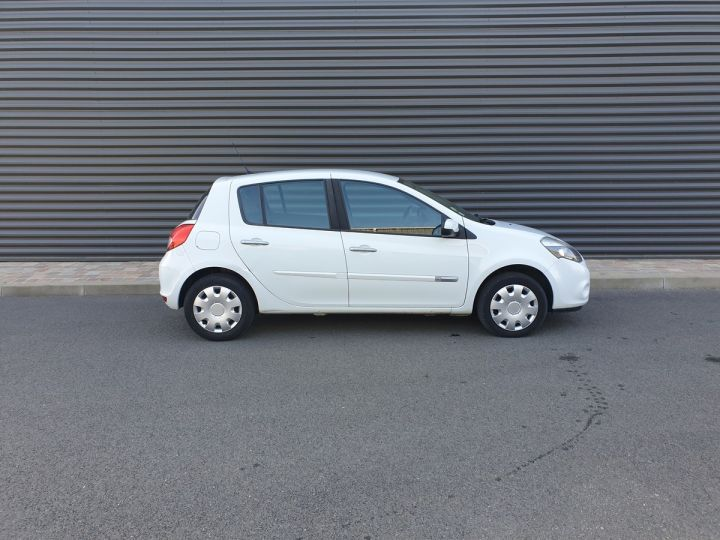 Renault Clio 3 1.5 dci 75 expression clim 5 pts Blanc Occasion - 3