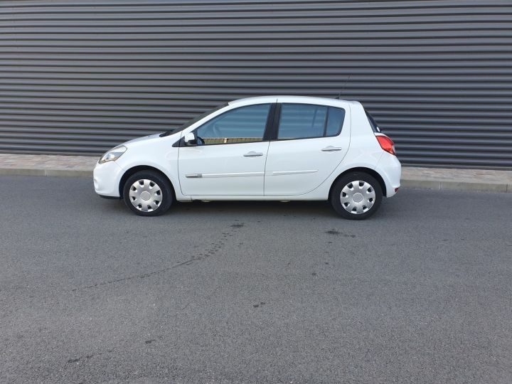 Renault Clio 3 1.5 dci 75 expression clim 5 pts Blanc Occasion - 4