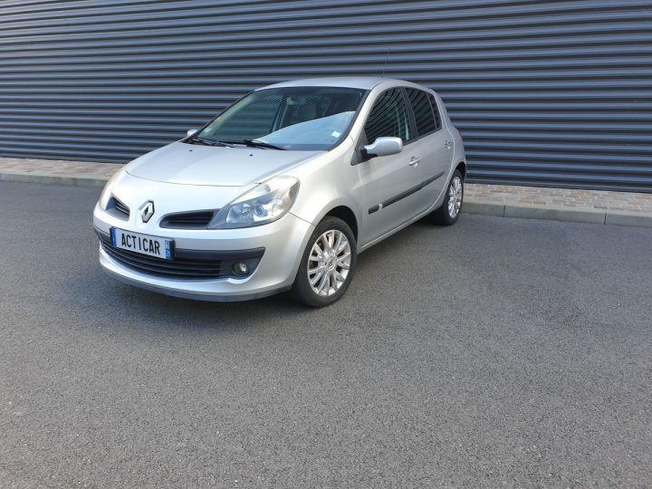 Renault Clio 3 1.5 dci 85 exception 5 pts Gris Occasion - 1