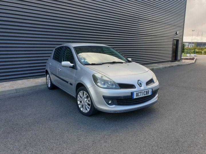 Renault Clio 3 1.5 dci 85 exception 5 pts Gris Occasion - 2