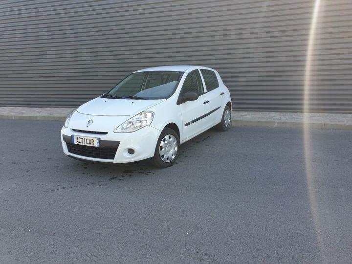 Renault Clio 3 iii 1.2 16v 75 cv alize 5 portes Blanc Occasion - 1