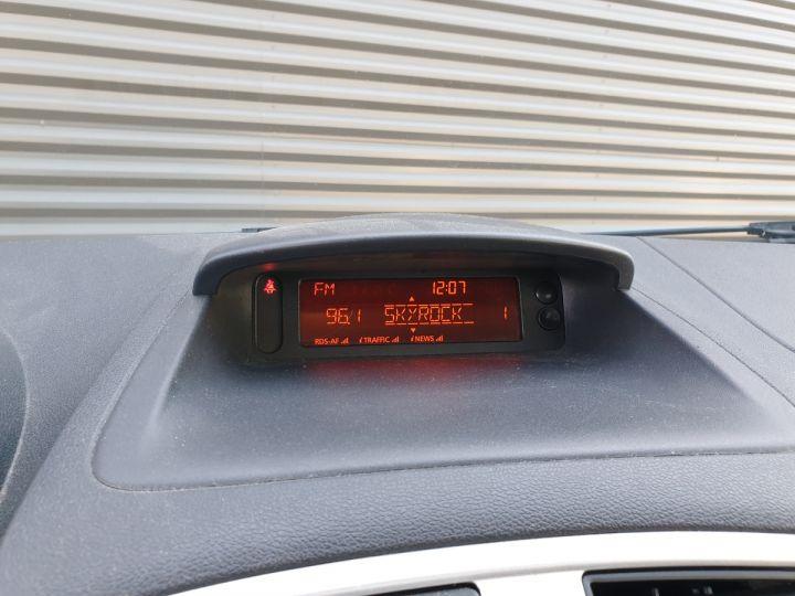 Renault Clio 3 iii 1.2 16v 75 cv alize 5 portes Blanc Occasion - 11