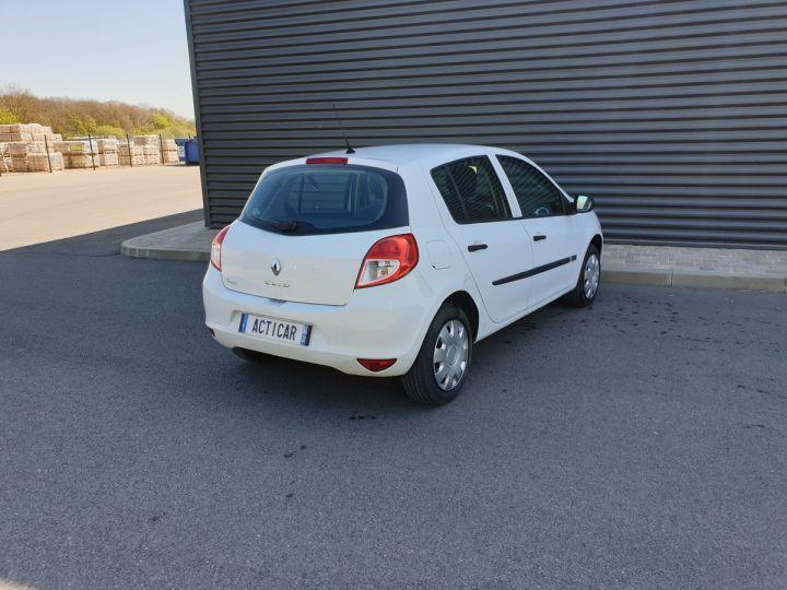 Renault Clio 3 iii 1.2 16v 75 cv alize 5 portes Blanc Occasion - 14