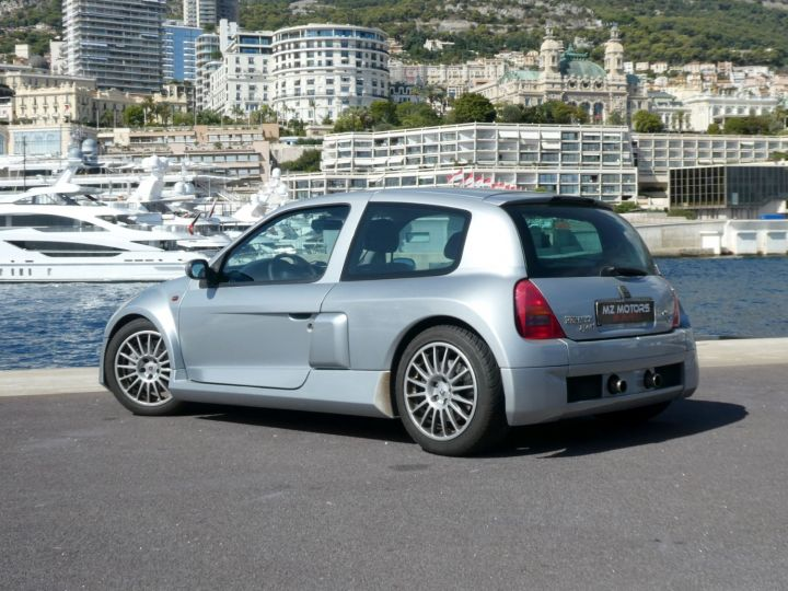 Renault Clio II V6 24S 230 RS 3P Argent Occasion - 10
