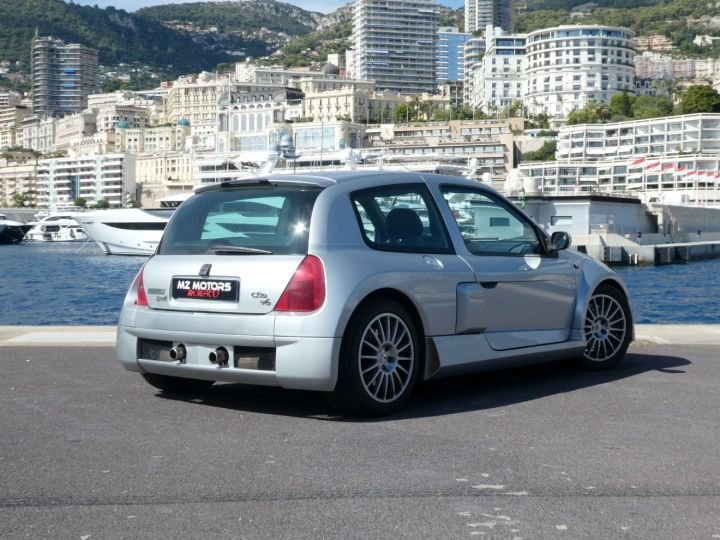 Renault Clio II V6 24S 230 RS 3P Argent Occasion - 12