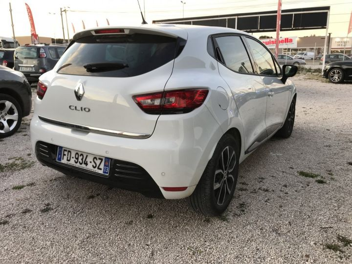 Renault CLIO LIMITED  BLANC  Occasion - 4