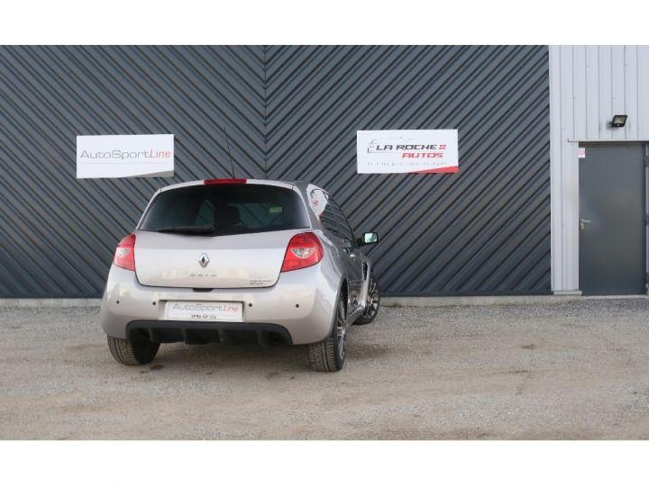 Renault Clio RS 3 2.0 16V 200 cv Gris Clair - 4