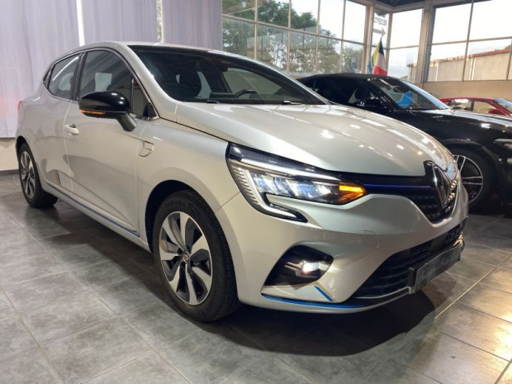Renault Clio V 1.6 E-TECH 140-21 PREMIERE EDITION GRIS CLAIR - 3