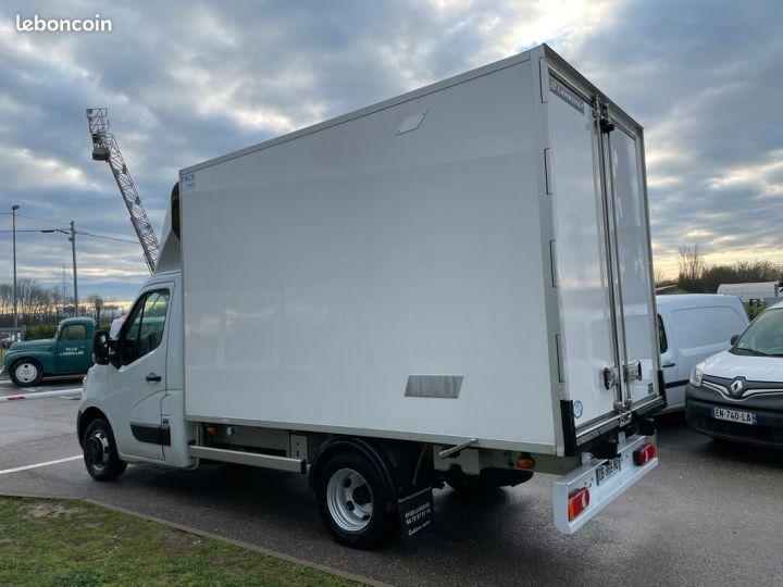 Renault Master porte viande frigorifique grand volume  - 3