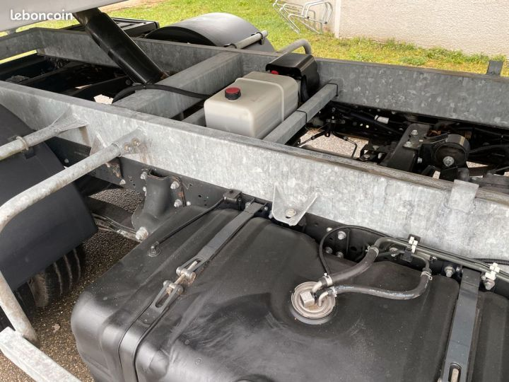 Renault Maxity benne 145cv  - 4