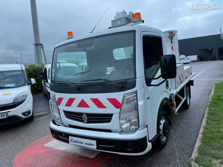 Renault Maxity nacelle comilev 114h  - 3