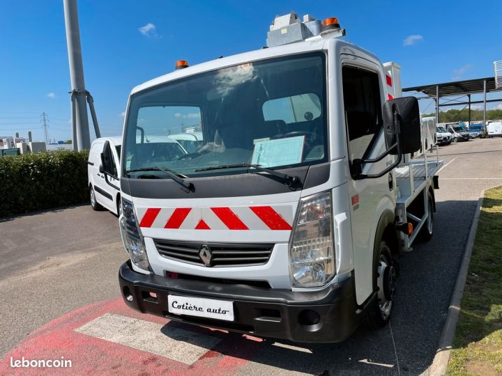 Renault Maxity nacelle comilev  - 2