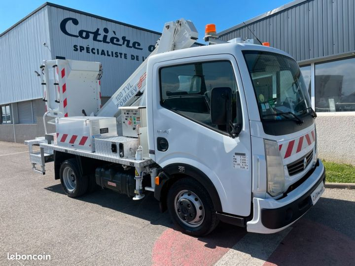 Renault Maxity nacelle comilev 154h  - 1