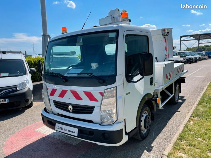 Renault Maxity nacelle comilev 154h  - 2