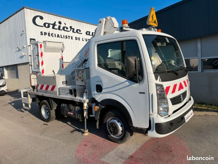 Renault Maxity nacelle comilev 175h  - 1