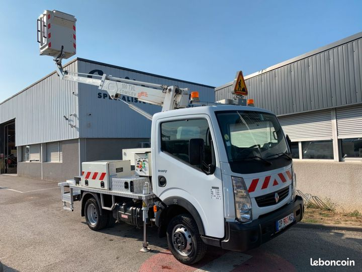 Renault Maxity nacelle comilev 256h  - 1