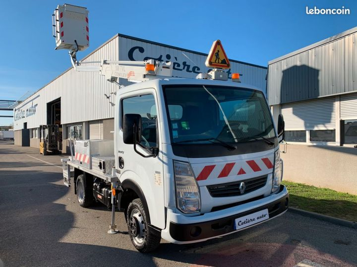 Renault Maxity nacelle comilev 272h  - 1