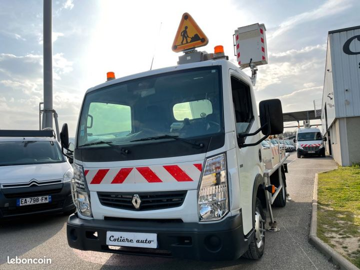 Renault Maxity nacelle comilev 352h  - 2