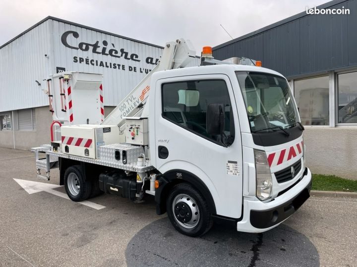 Renault Maxity nacelle comilev 399h  - 1
