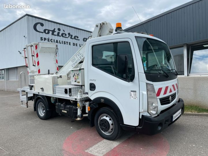 Renault Maxity nacelle comilev 620h  - 1