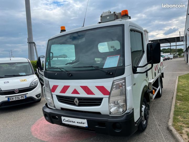 Renault Maxity nacelle comilev 620h  - 2