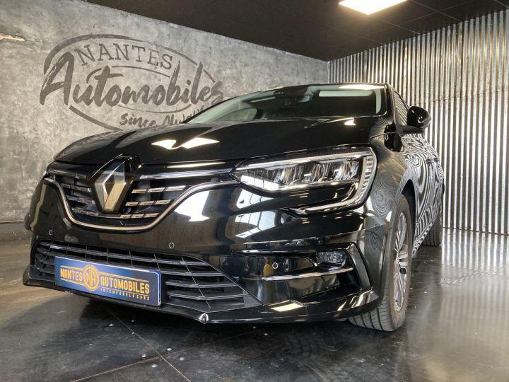 Renault Megane 1.3 TCE 140 EDC INTENS NOIR  - 3