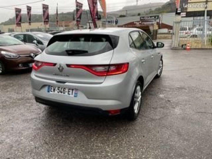 Renault Megane Gris Occasion - 3