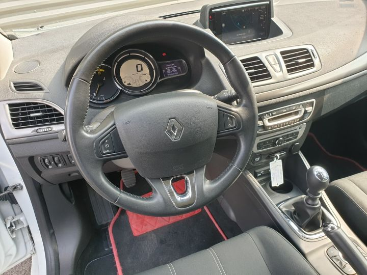 Renault Megane 3 iii 1.5 dci 110 business.bv6 i Blanc Occasion - 9
