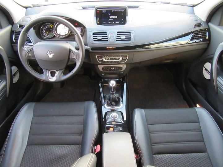 Renault MEGANE III 1.2 TCE 130CH ENERGY BOSE Gris Clair Occasion - 9