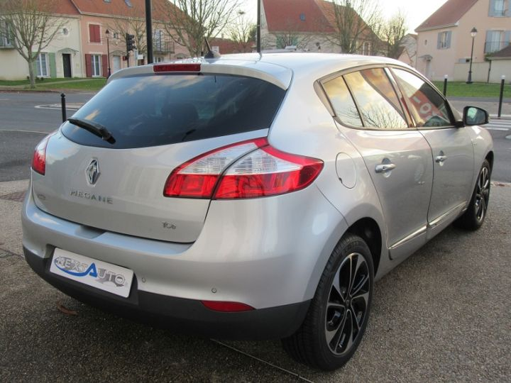 Renault MEGANE III 1.2 TCE 130CH ENERGY BOSE Gris Clair Occasion - 10
