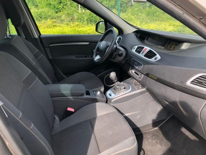 Renault Scenic 3 III 19 DCI 130 DYNAMIQUE Gris Occasion - 10