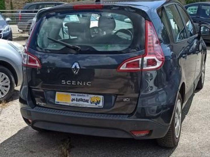 Renault Scenic iii 1.5 dci 105 Bleu - 2