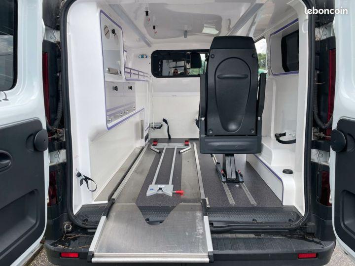 Renault Trafic ambulance équipé 6500km d'origine  - 6
