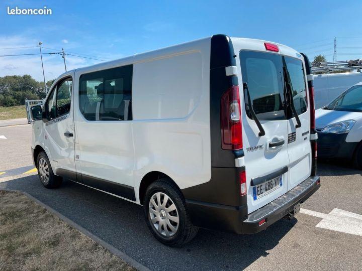 Renault Trafic L1h1 140cv banquette Rabatable 6 places motricité renforcée  - 2
