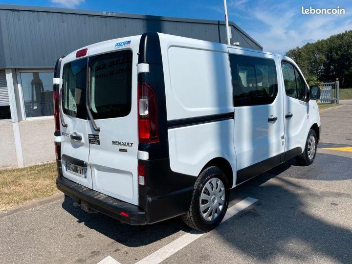 Renault Trafic L1h1 140cv banquette Rabatable 6 places motricité renforcée  - 4