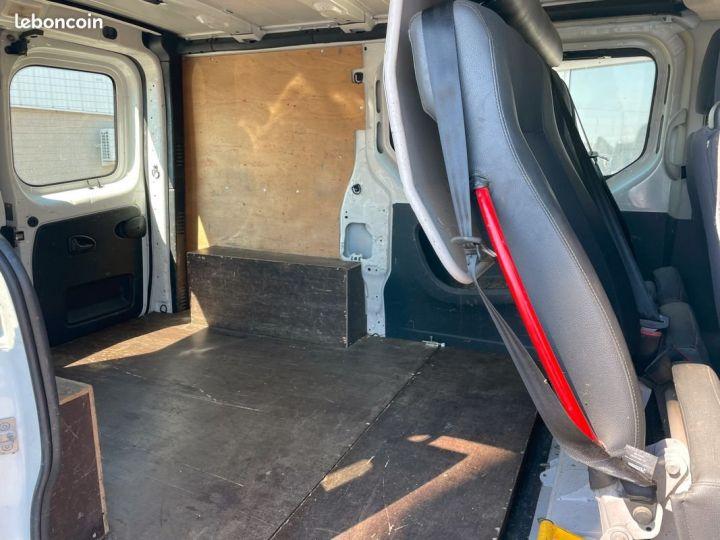 Renault Trafic L1h1 140cv banquette Rabatable 6 places motricité renforcée  - 5