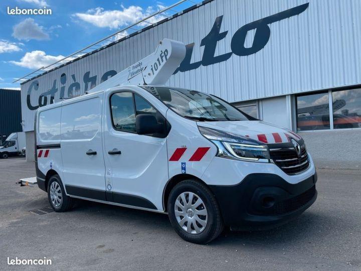 Renault Trafic L1h1 nacelle France Elevateur 10km NEUF  - 1