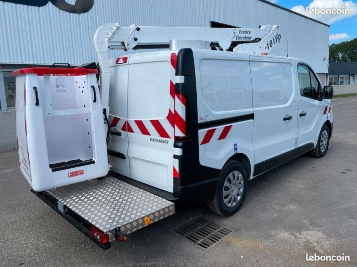 Renault Trafic L1h1 nacelle France Elevateur 10km NEUF  - 2