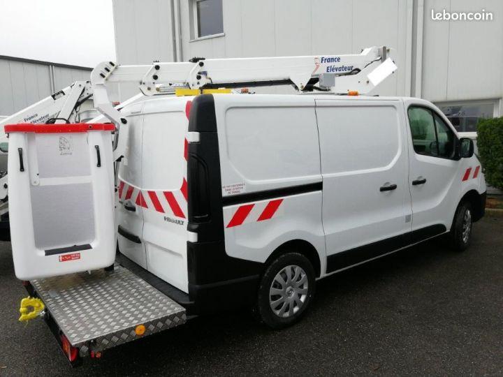 Renault Trafic L1h1 nacelle France Elevateur NEUF  - 2
