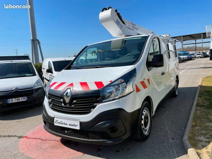 Renault Trafic tronqué nacelle France Elevateur  - 2