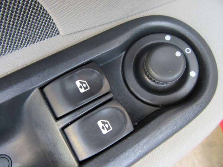Renault TWINGO 1.2 16V 75CH DYNAMIQUE ROUGE Occasion - 11