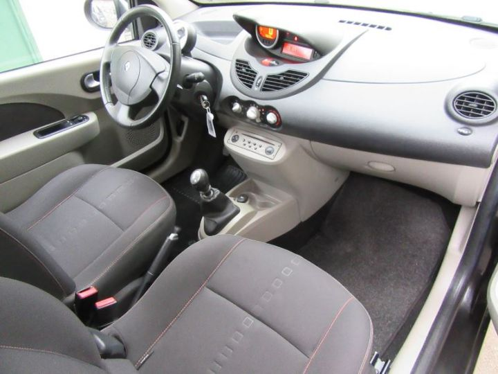 Renault TWINGO 1.2 16V 75CH DYNAMIQUE NOIR Occasion - 8