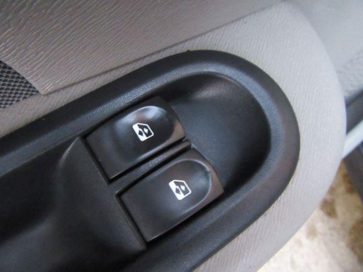 Renault TWINGO 1.2 16V 75CH EXPRESSION NOIR Occasion - 11
