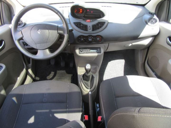 Renault TWINGO 1.2 16V 75CH NIGHT&DAY NOIR Occasion - 9