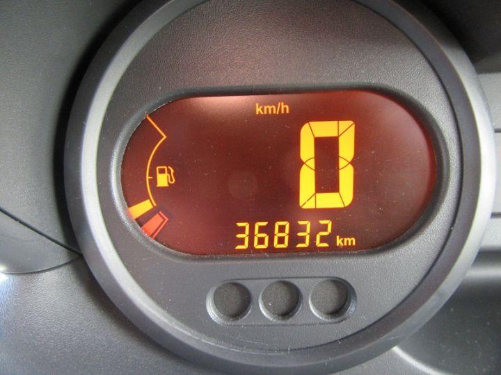 Renault Twingo 1.2 60CH AUTHENTIQUE Rouge Occasion - 12