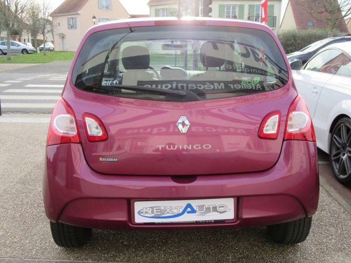 Renault Twingo 1.2 LEV 16V 75CH AUTHENTIQUE ECO² Violet - 9