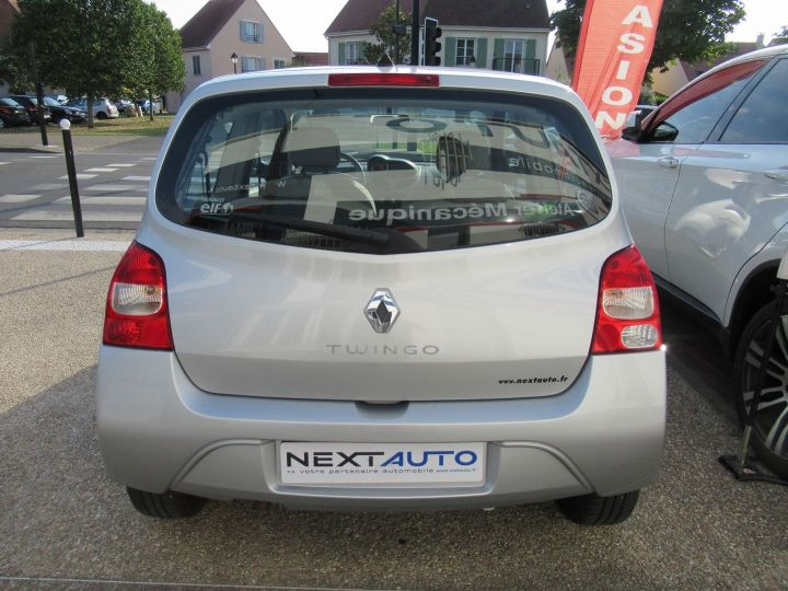 Renault Twingo 1.2 LEV 16V 75CH EXPRESSION Gris Clair - 7