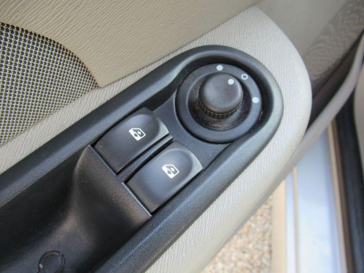Renault Twingo 1.2 LEV 16V 75CH EXPRESSION Gris Clair - 11