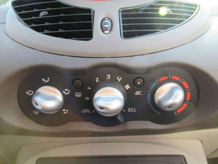 Renault Twingo 1.2 LEV 16V 75CH EXPRESSION Gris Clair - 13
